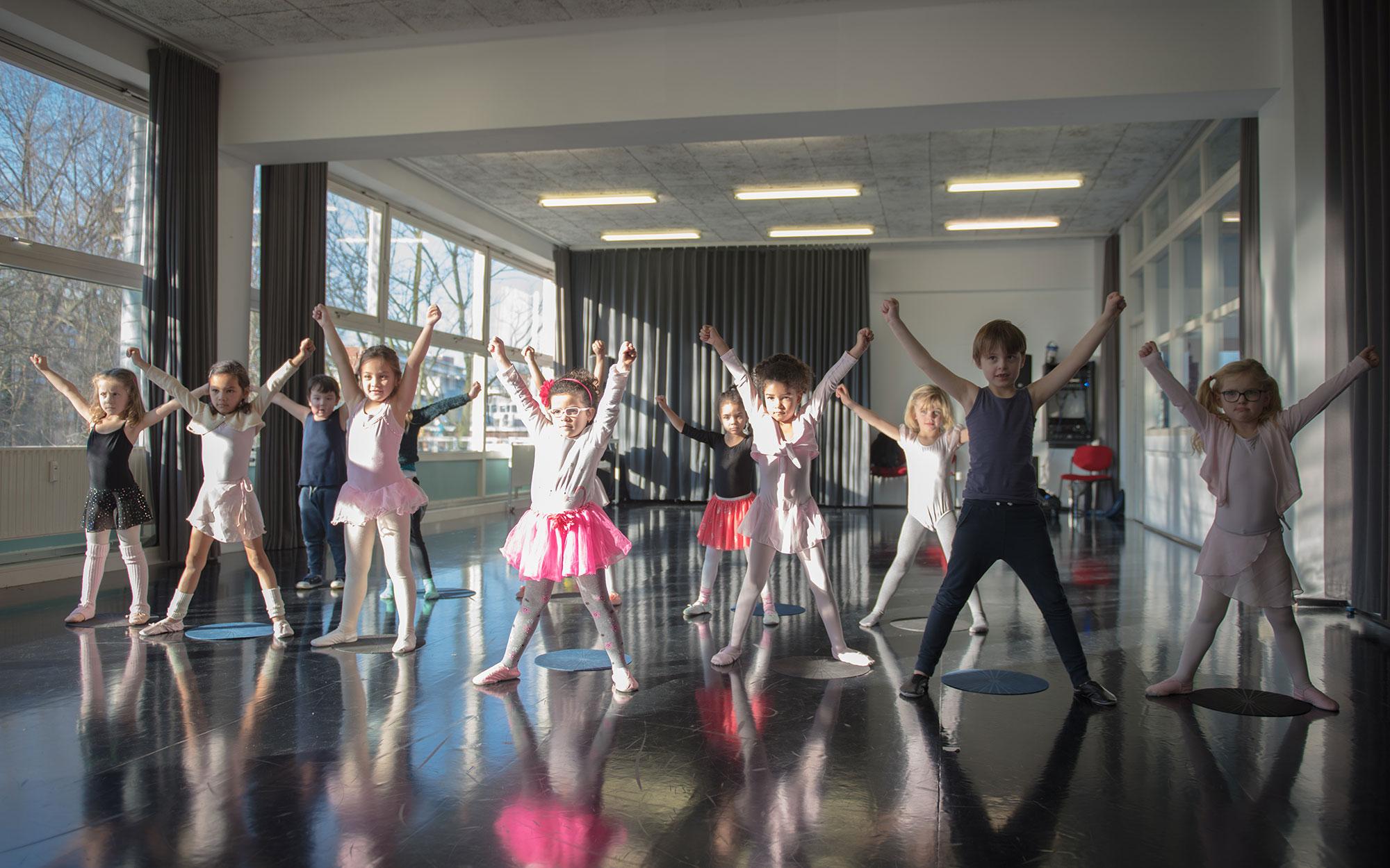 Dansspeelgroep 4West zomeractiviteiten week Nieuw-West Het Talentenhuis